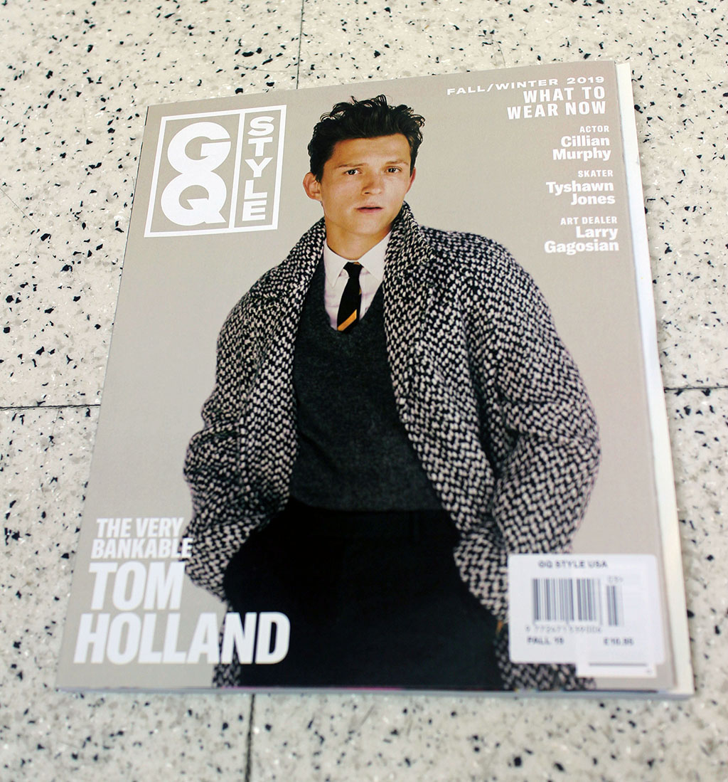 """IN """"Camden News"""" store to see """"gq style"""" magazine"""