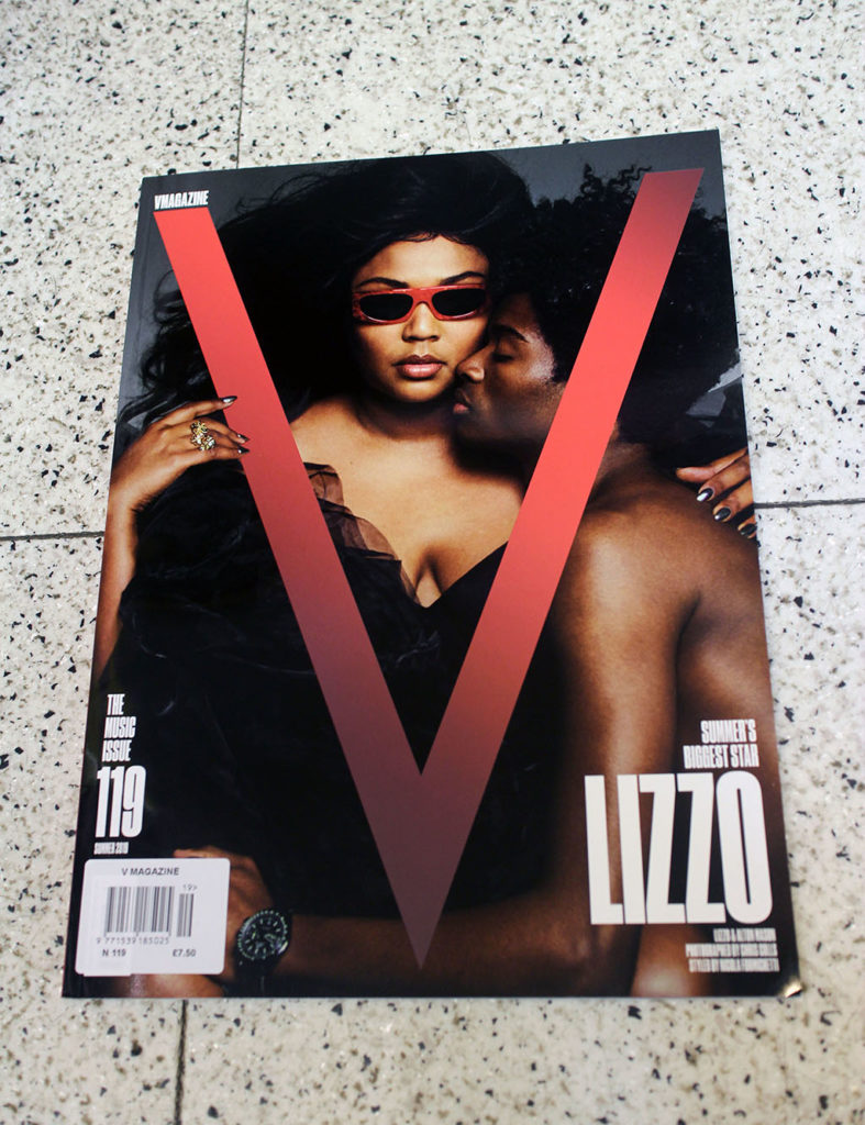 """IN """"Camden News"""" store to see """"V"""" magazine"""