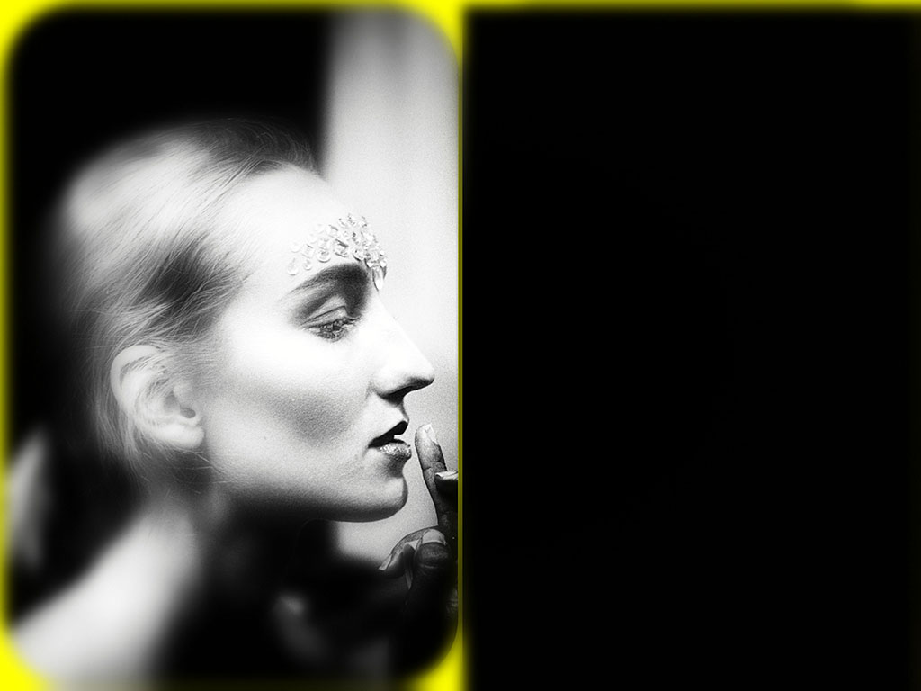 4me4you was invited backstage to see..understand..grasp..comprehend..follow..take in..realize, the creatives behind Pierre Garroudi showcase during London Fashion Week SS20.